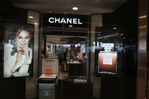 chanel_store2_640